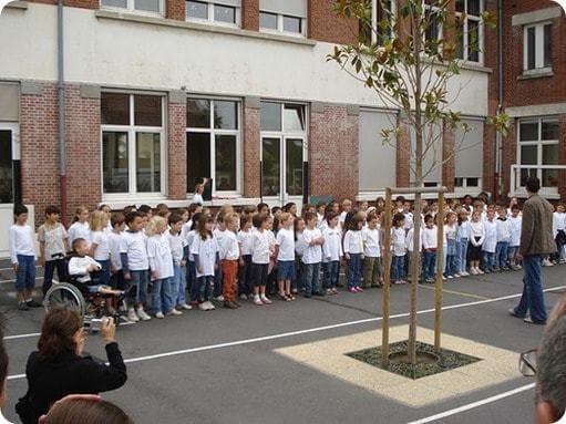 l'école, une machine à créer des clones obéissants