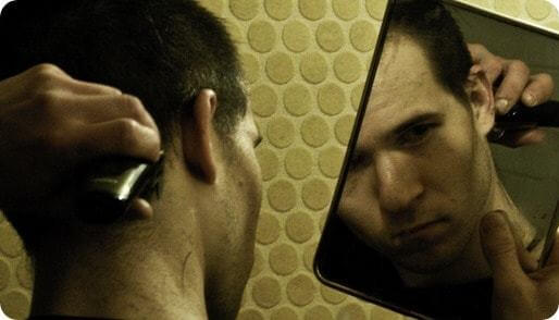 auto coaching : même avec un miroir, il y a des zones difficiles à voir